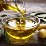 olive-oil-poured-into-a-bowl
